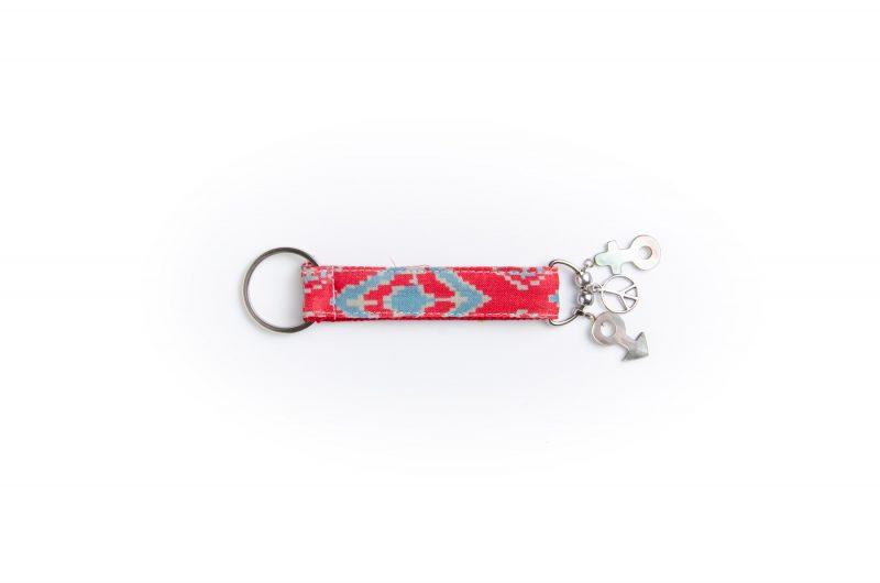 porte clés-breloque- doublée-Batik-tissu indien-artisanat-fait main-peace and love-fabrication française-Delhi